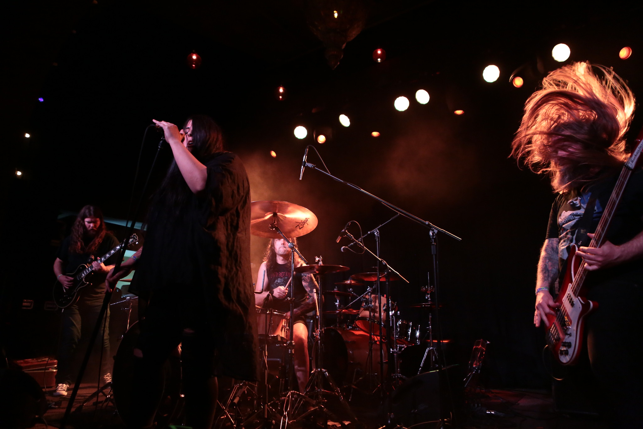 Live Review Melvins Helms Alee Holy Grove And Wizard